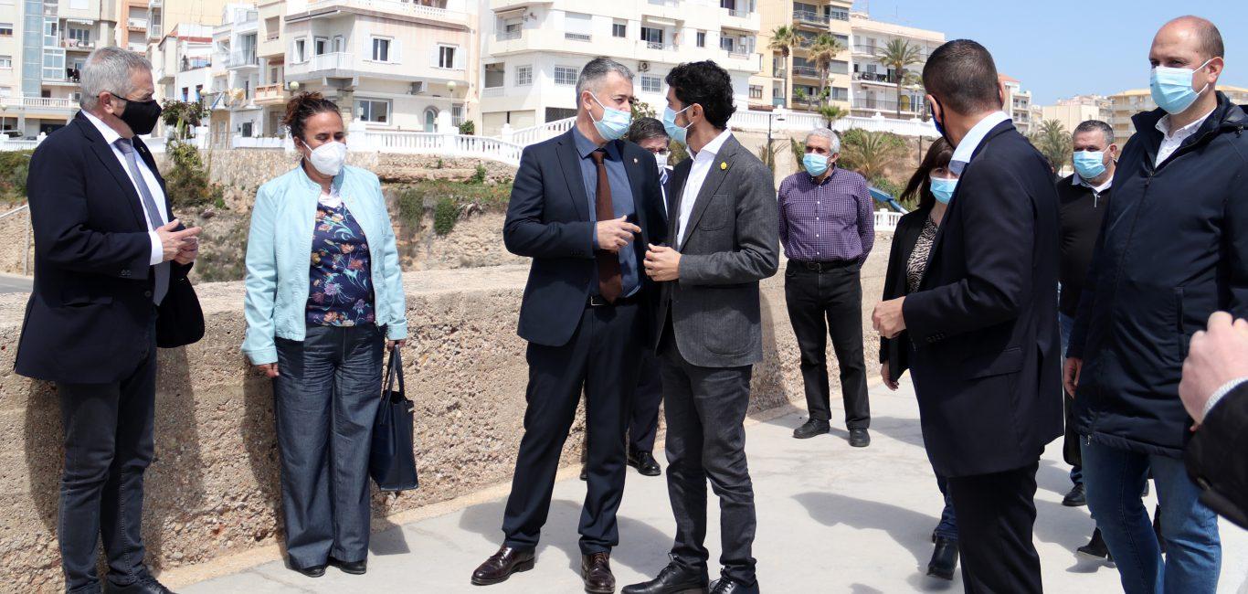 El conseller Damià Calvet visita el Port de l'Ametlla de Mar